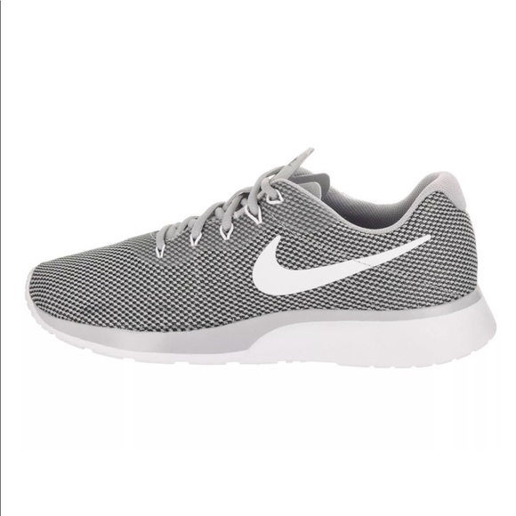 the best attitude fc1a3 431a6 Nike Tanjun Racer Mens Running shoes grey white z2